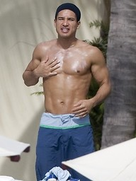 Hot latino star Mario Lopez